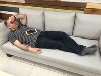 Các sếp cần lưu ý: Đừng ngủ khi nhân viên còn làm việc