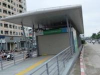 Xe máy lấn làn buýt nhanh Hà Nội bị phạt tới 400 nghìn