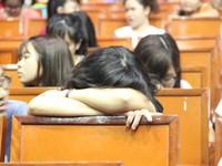 Hơn 100 sinh viên bị dừng học vì chậm đóng học phí