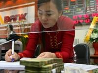 """Tăng trưởng nhanh, ngân hàng Việt vẫn kiếm tiền """"bèo bọt"""" nhất ASEAN"""