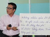 """Lời nhắn dễ thương của thầy giáo ĐH Văn Hiến: """"Không nhận quà 20/11, đề nghị sinh viên để tiền đóng học phí"""""""