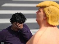 Tượng Trump khỏa thân vào top ảnh ấn tượng nhất tuần