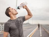 Không cà phê, không trà... chỉ uống nước lọc trong 1 tháng thì điều gì sẽ xảy ra với cơ thể bạn?