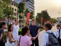 """Vì sao sinh viên Mỹ """"ngại"""" đến Việt Nam trao đổi, học tập?"""