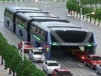 Siêu xe buýt này sẽ là lời giải cho bài toán ùn tắc giao thông của Trung Quốc