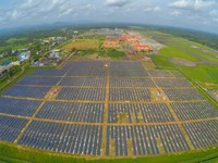 Sân bay chỉ dùng năng lượng mặt trời đầu tiên trên thế giới