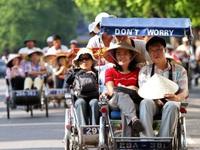 Bộ Chính trị khẳng định đưa du lịch thành ngành kinh tế mũi nhọn