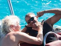 Obama vui vẻ tập lướt sóng sau khi về hưu