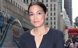 Giới siêu giàu ở Davos 'run rẩy' trước đề xuất tăng thuế thu nhập cá nhân của nữ nghị sĩ trẻ tuổi nhất Quốc hội Mỹ