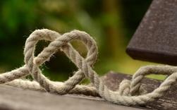 Hãy đọc ngay bài viết này nếu bạn đang cảm thấy thiếu an toàn trong một mối quan hệ tình cảm