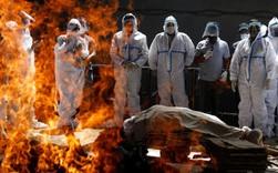 Sóng thần đẩy y tế Ấn Độ đến bờ vực sụp đổ: Nghĩa trang hết chỗ, bệnh viện quay lưng với bệnh nhân, người dân tuyệt vọng