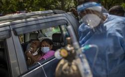 Tòa án Ấn Độ tuyên bố sẵn sàng treo cổ bất cứ ai cản đường vận chuyển oxy