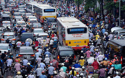 Người Hà Nội mất 45 phút để tìm chỗ đỗ xe ô tô