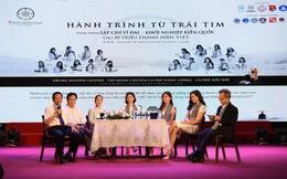 Ca sĩ Mỹ Linh, Hoa hậu Thu Ngân tặng sách quý cho chiến sĩ hải quân