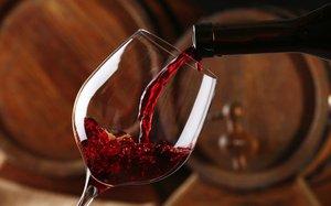 Làm thế nào để rót rượu không bị rỉ giọt ra ngoài khi kết thúc?