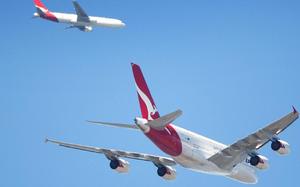 Vì sao trên trời có nhiều máy bay bay cùng lúc thế mà không bao giờ đụng nhau?