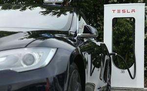 Bước tiếp theo, Tesla tuyên chiến với chuỗi cửa hàng tiện lợi 7-Eleven