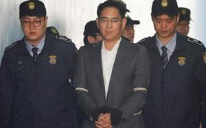 """""""Thái tử Samsung"""" xứng đáng ngồi tù chung thân"""