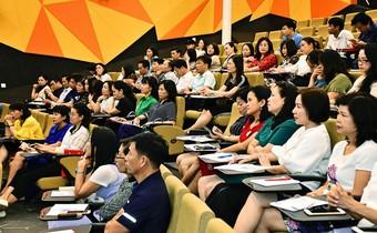 Nâng cao năng lực cho cán bộ quản lý giáo dục và giáo viên trong xu thế toàn cầu hóa