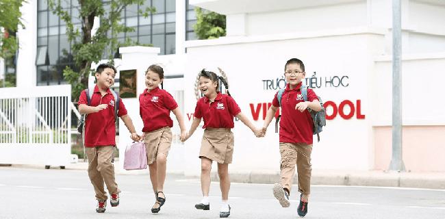 Thâm niên 15 năm hoạt động trong ngành giáo dục, doanh thu FPT Education cũng chỉ ngang ngửa với Vinschool 3 năm tuổi