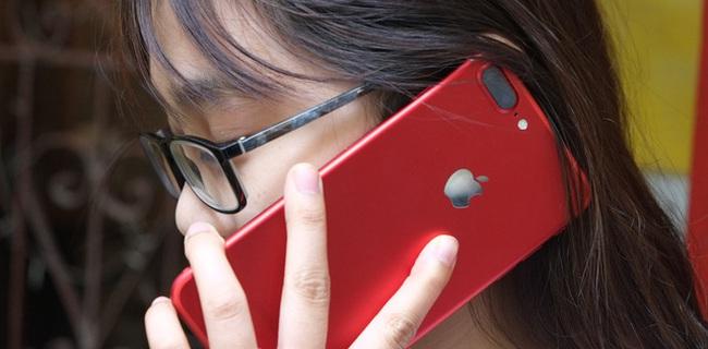 Mở hộp và trên tay iPhone 7 Plus đỏ đầu tiên tại Việt Nam, giá từ 25 triệu đồng