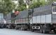 Sau quyết định của Bộ Công Thương, hàng trăm xe tải ùn ứ đợi hàng trước nhà máy thép