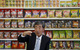 Vì sao một gói snack khoai tây lại có giá lên đến 300.000 VNĐ tại Nhật Bản?