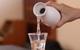 Chuyên gia chia sẻ 8 bí quyết uống rượu để không hại gan, say khướt
