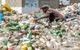 Sự thật kinh hoàng về rác thải nhựa, đủ chôn Manhattan sâu 3,2 km dưới núi rác