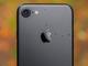 Apple: 'Đừng để iPhone 7 sát đầu khi gọi điện thoại'