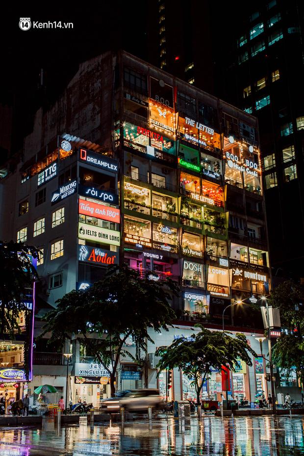 Cận cảnh chung cư Việt Nam lên báo Mỹ được khen nức nở: 1 tỷ đồng cho mỗi mét vuông, thiên đường cafe của giới trẻ Sài Gòn  - Ảnh 1.