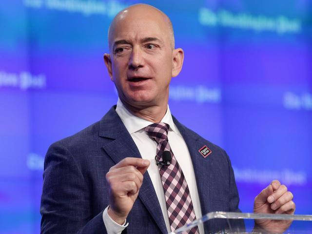 10 tỷ phú kiếm được nhiều tiền nhất tuần qua: Jeff Bezos và vợ cũ 'bỏ túi' gần 12 tỷ USD - Ảnh 1.