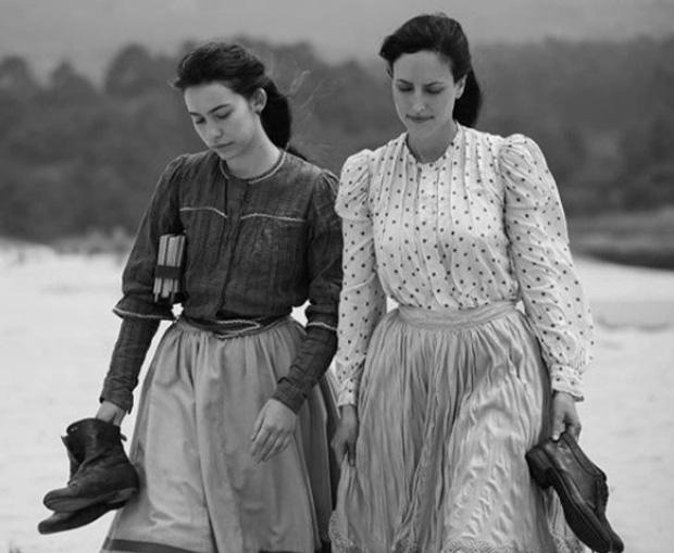 Chuyện về đám cưới đồng tính nữ đầu tiên trong lịch sử: Những cô gái vì yêu cứ đâm đầu, bất chấp hệ quả khủng khiếp để được ở bên nhau - Ảnh 1.