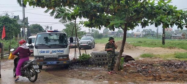 Vụ sạt lở Thủy điện Rào Trăng 3: Đang đưa 3 thi thể công nhân ra ngoài, chưa liên lạc được 13 chiến sĩ cứu hộ - Ảnh 6.