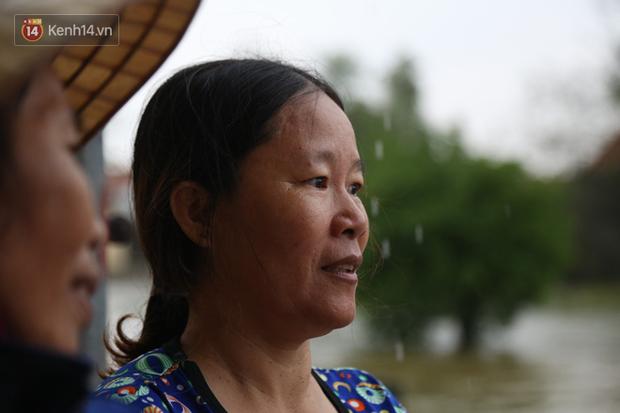 Người dân 5 ngày ăn cháo trắng kèm muối, đêm không dám ngủ trong trận lũ lịch sử ở Quảng Bình - Ảnh 7.