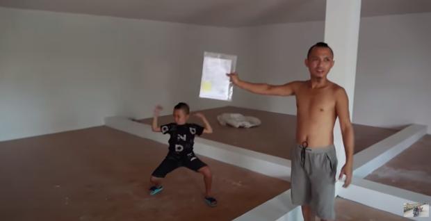 Tiết lộ số tiền 4 tỷ đồng kiếm được từ YouTube từ khi bắt đầu, anh em Tam Mao khoe luôn cơ ngơi mới - Ảnh 9.