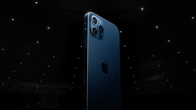 iPhone 12 có thể là cơn ác mộng với Apple - Ảnh 1.