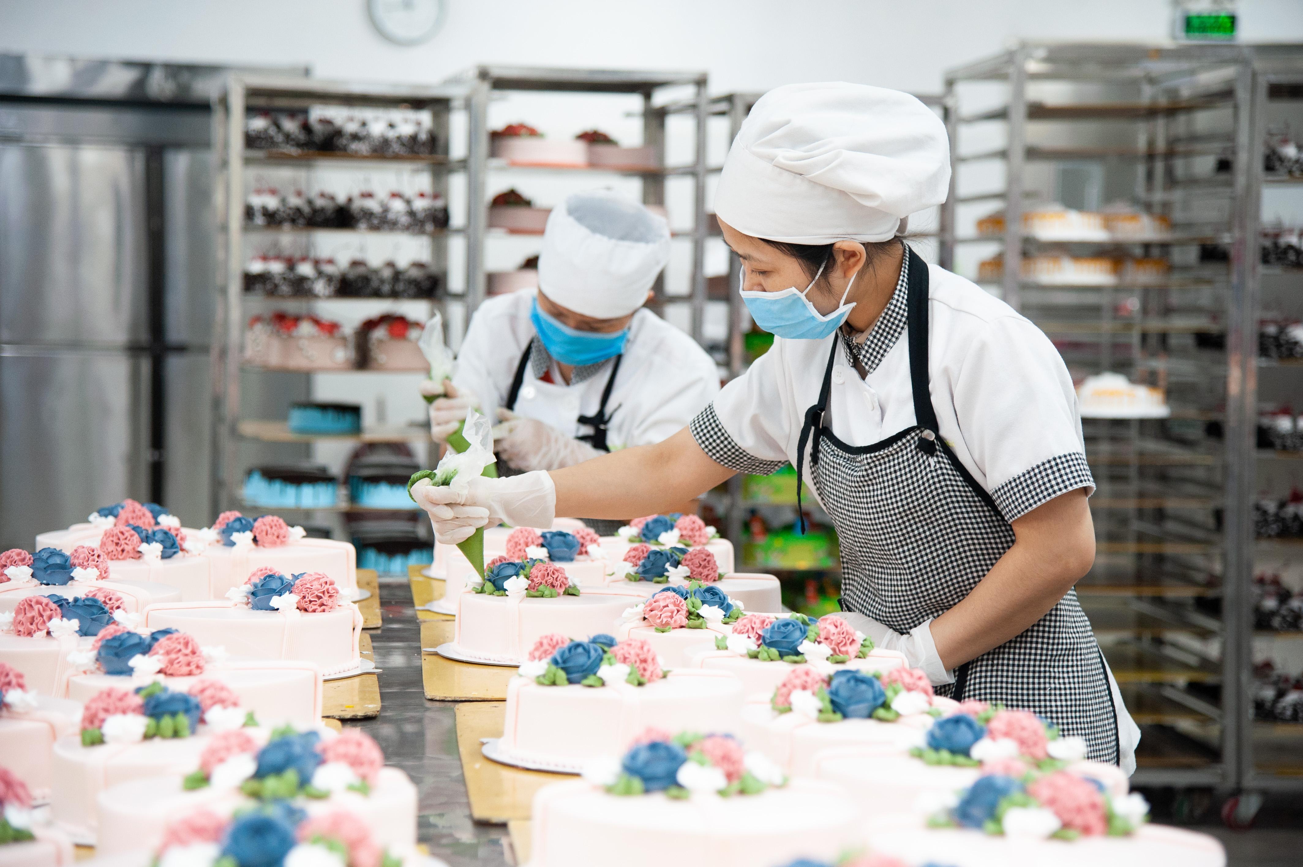 Chủ nhân bí ẩn của 60 cửa hàng Fresh Garden: Dân chứng khoán rẽ ngang vì mê bánh, 10 năm chưa chi một đồng cho Marketing - Ảnh 12.