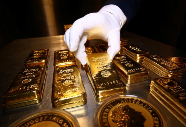 Khi nào giá vàng lấy lại mốc 2.000 USD/ounce? - Ảnh 2.