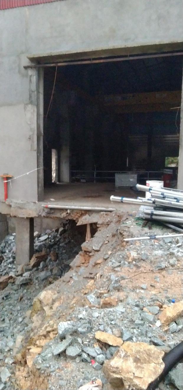Ảnh: Cận cảnh bên trong khu vực nhà điều hành thủy điện Rào Trăng 3 bị lũ quét vùi lấp - Ảnh 11.