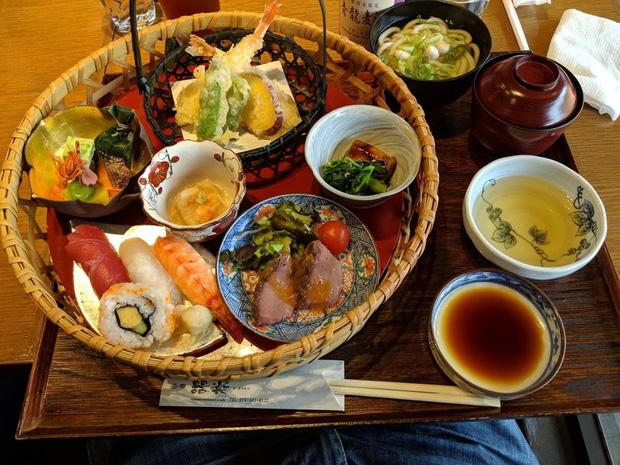 99% nhà hàng ở quốc gia châu Á này đều bán đồ ăn ngon, quán dở gần như không tồn tại: Lý do khiến ai cũng nể phục  - Ảnh 3.