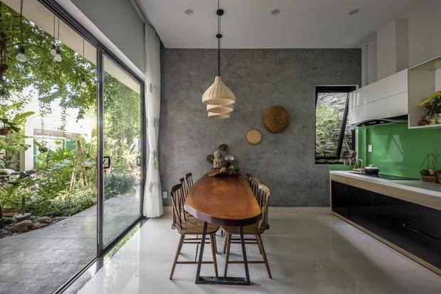 Ngôi nhà 125m2 đẹp như resort của cặp đôi yêu nhau từ cấp ba, đầu tư 2 tỷ với thiết kế đưa gió vào mọi ngóc ngách - Ảnh 8.