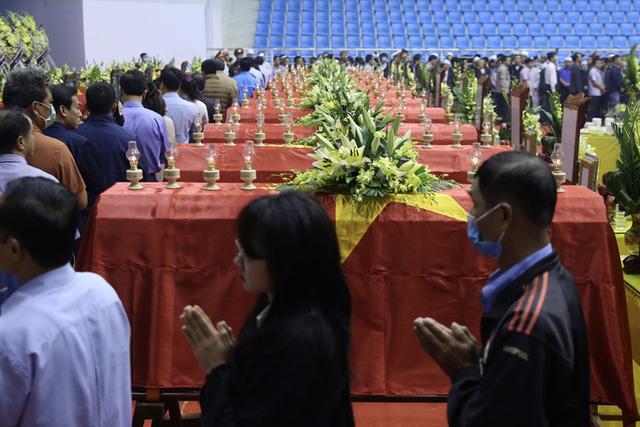 Hình ảnh xúc động lễ truy điệu 22 cán bộ, chiến sĩ hy sinh ở Quảng Trị  - Ảnh 4.