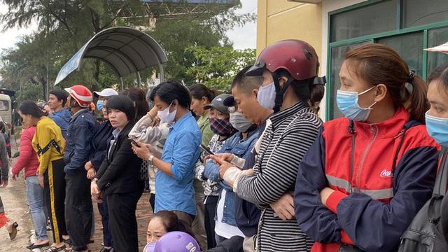 Hình ảnh xúc động lễ truy điệu 22 cán bộ, chiến sĩ hy sinh ở Quảng Trị  - Ảnh 7.