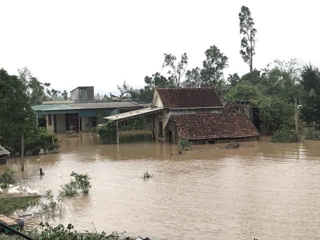 Toàn cảnh thiệt hại của trận lũ lịch sử gây ra tại Hà Tĩnh khiến 147 nghìn người bị ngập lụt  - Ảnh 2.