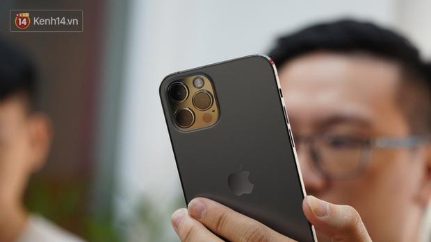 Trên tay iPhone 12 và iPhone 12 Pro tại Việt Nam - Ảnh 13.