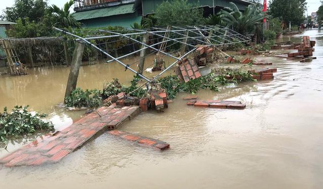 Toàn cảnh thiệt hại của trận lũ lịch sử gây ra tại Hà Tĩnh khiến 147 nghìn người bị ngập lụt  - Ảnh 3.