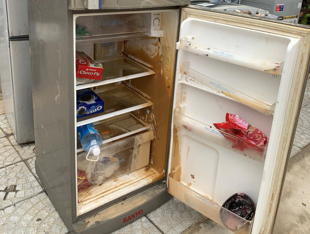 Máy giặt, tủ lạnh bị lũ ngâm, bà con để tui sấy sửa miễn phí cho - Ảnh 3.