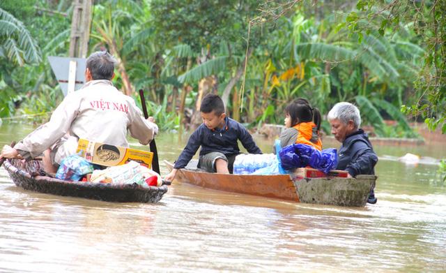 Toàn cảnh thiệt hại của trận lũ lịch sử gây ra tại Hà Tĩnh khiến 147 nghìn người bị ngập lụt  - Ảnh 8.