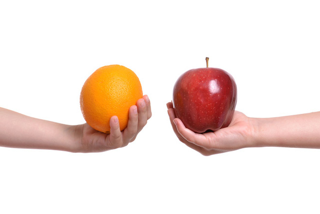 Đặt cam - táo lên bàn cân: Vì sao một quả táo mỗi ngày giúp tránh xa bác sĩ nhưng có chuyên gia vẫn chọn cam?  - Ảnh 1.